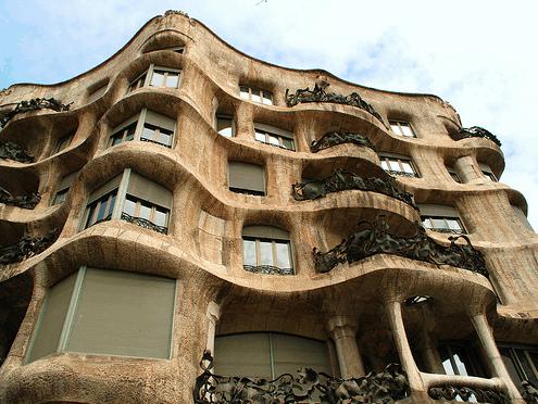 architecture along Passeig de Grácia