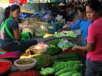 bustling_market_shopping