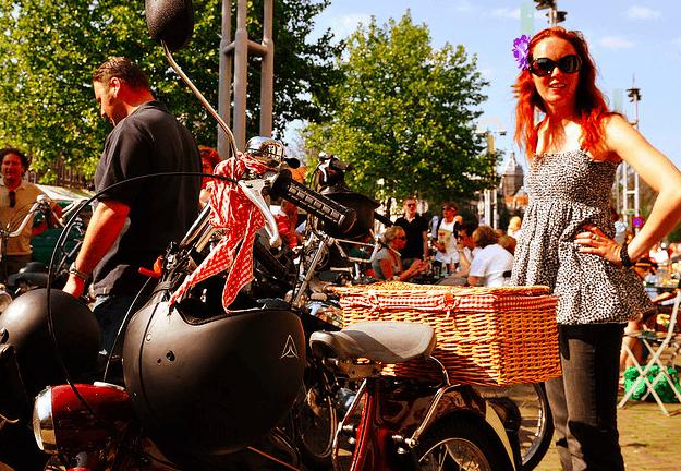 Cycle In Amsterdam The Nieuwmarkt