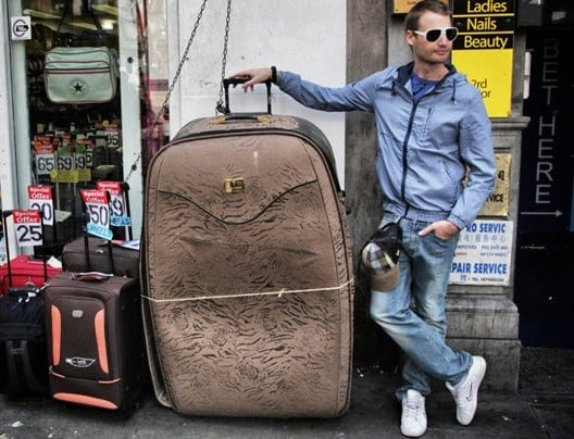 Roller Bag vs Backpack - Which Is Better for Traveling?