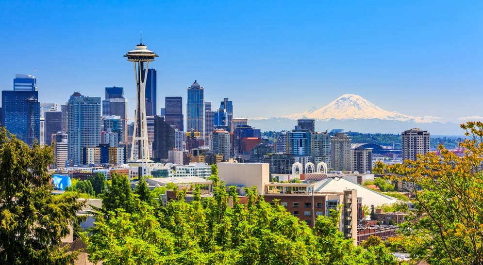 Best Time to Visit Seattle downtown skyline and Mt. Rainier